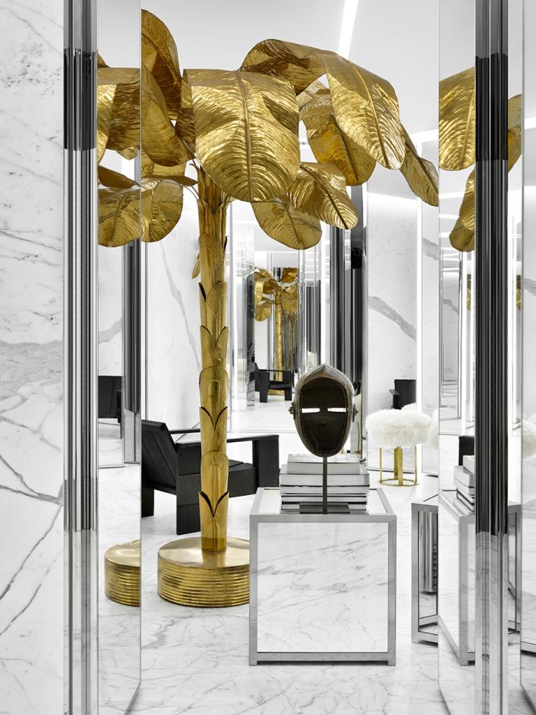 2階メインフィッティングルーム | © Saint Laurent