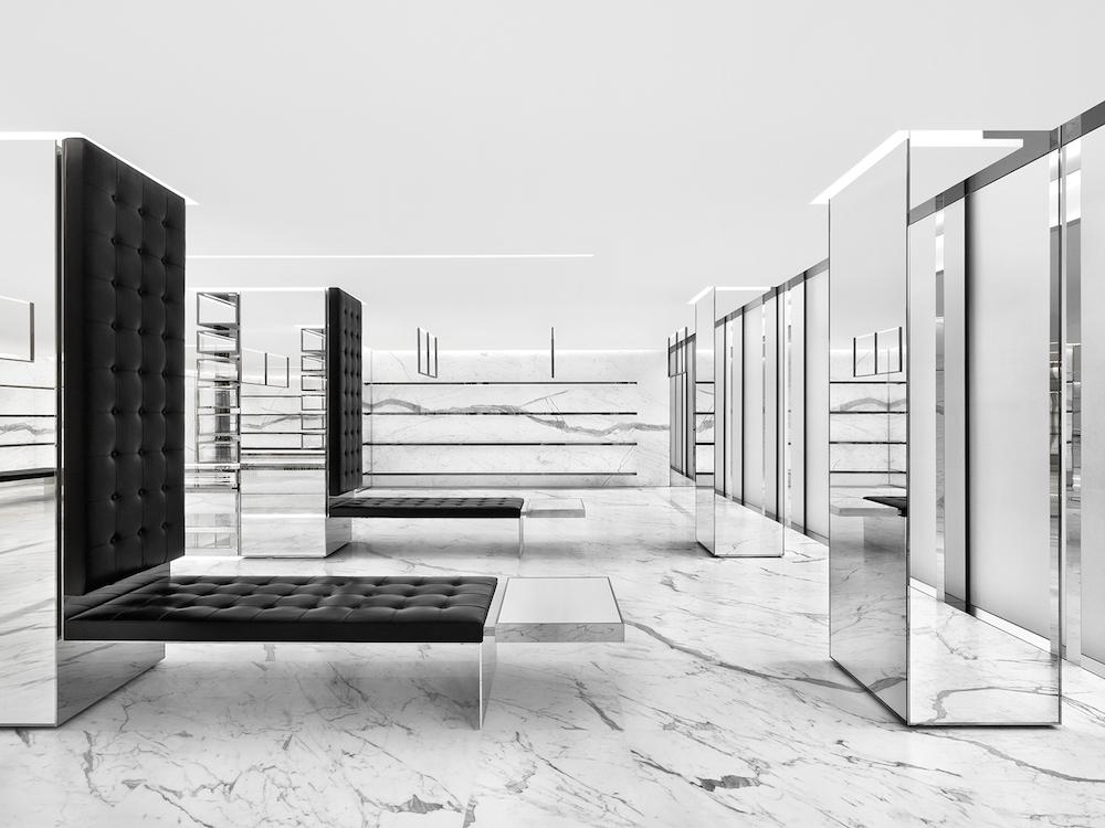 3階メンズフロア | © Saint Laurent