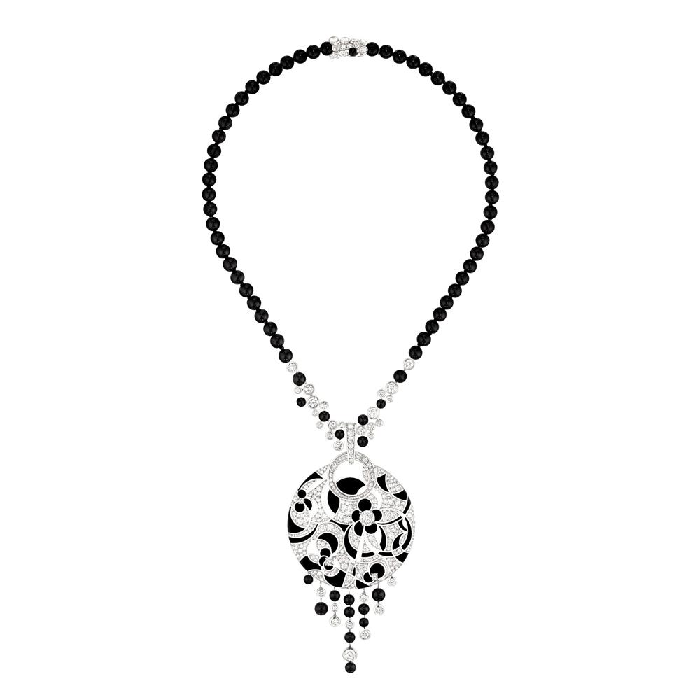 「Midnight (ミッドナイト)」ネックレス (WG、ダイヤモンド 計9.60ct × オニキス) ¥ 31,590,000 (税込参考価格)