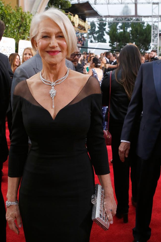 演技派女優には最高級のダイヤモンドが欠かせない。Helen Mirren (ヘレン・ミレン) が選んだのは、豪胆なモチーフ使いの Harry Winston (ハリー・ウィンストン) | © GettyImages