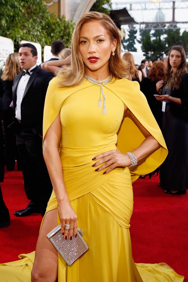 ラテンクイーンといえば Jennifer Lopez (ジェニファー・ロペス)。首元に輝くフリンジモチーフのダイヤモンドネックレスは Harry Winston (ハリー・ウィンストン) のもの | © GettyImages