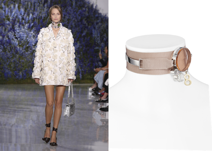 ムッシュのラッキーナンバーである「8」にインスパイアされた Dior (ディオール) のチョーカーネックレス。ランウェイではスカーフとレイヤーしたスタイリングを提案。チョーカー ¥ 105,000 (スカーフ別売り) | © Dior