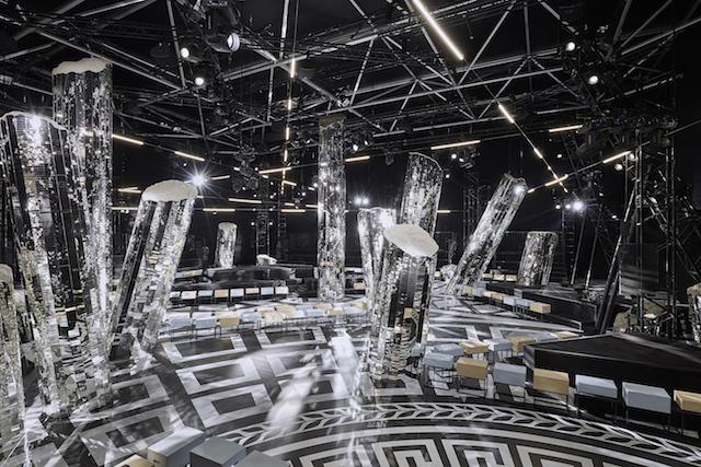 ショー会場の様子 | © Louis Vuitton