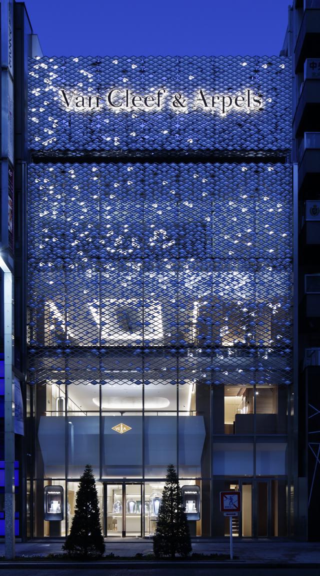 ヴァンクリーフ&アーペル 銀座本店外観   © Van Cleef & Arpels