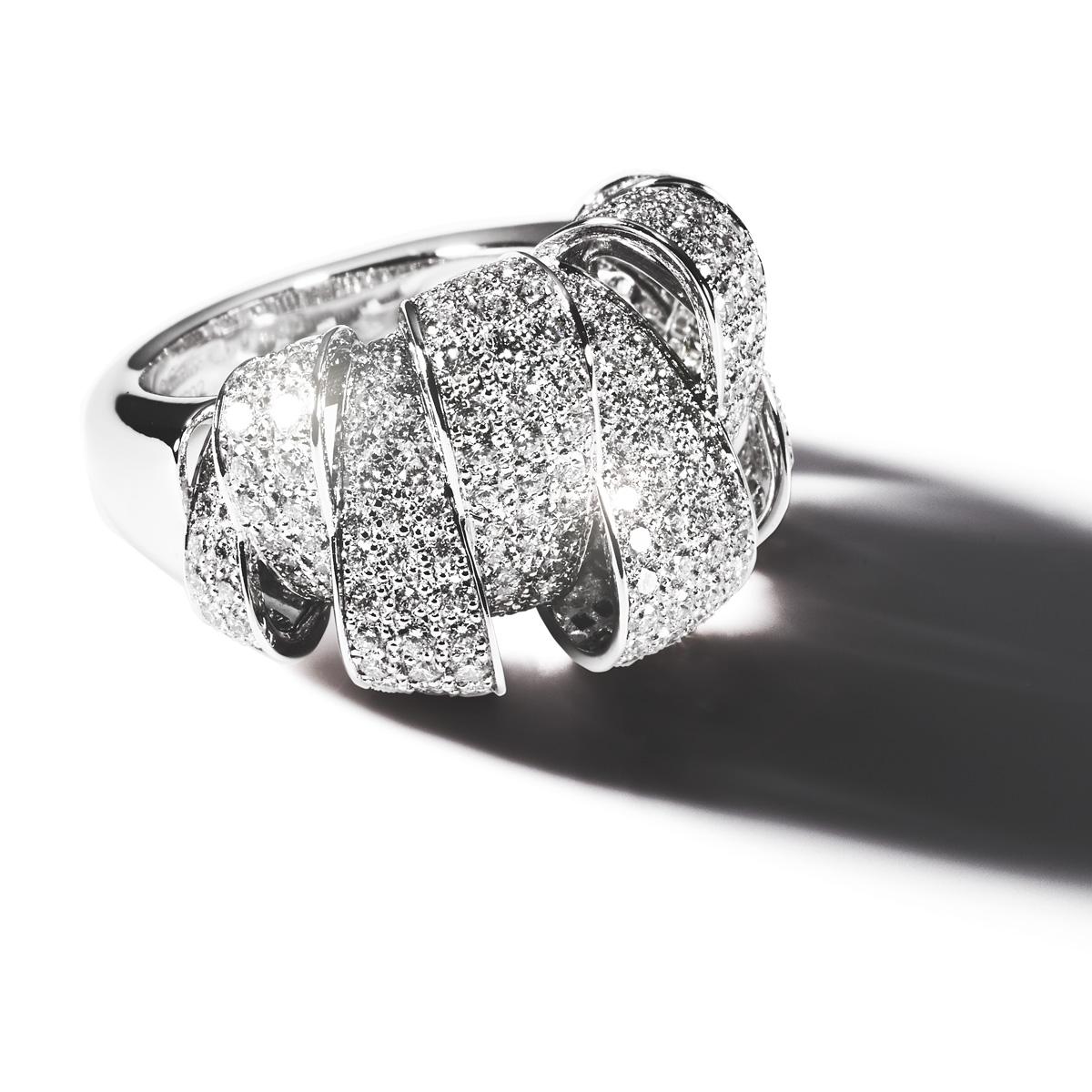 「Coup d'éclat de Cartier (クーデクラ ドゥ カルティエ)」リング (WG、ダイヤ 2.39ct) ¥ 4,600,000