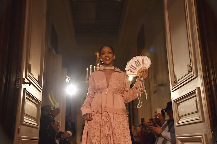 パリ ファッションウィーク期間中の9月28日に発表された Fenty by Puma の2017年春夏コレクション | © Puma