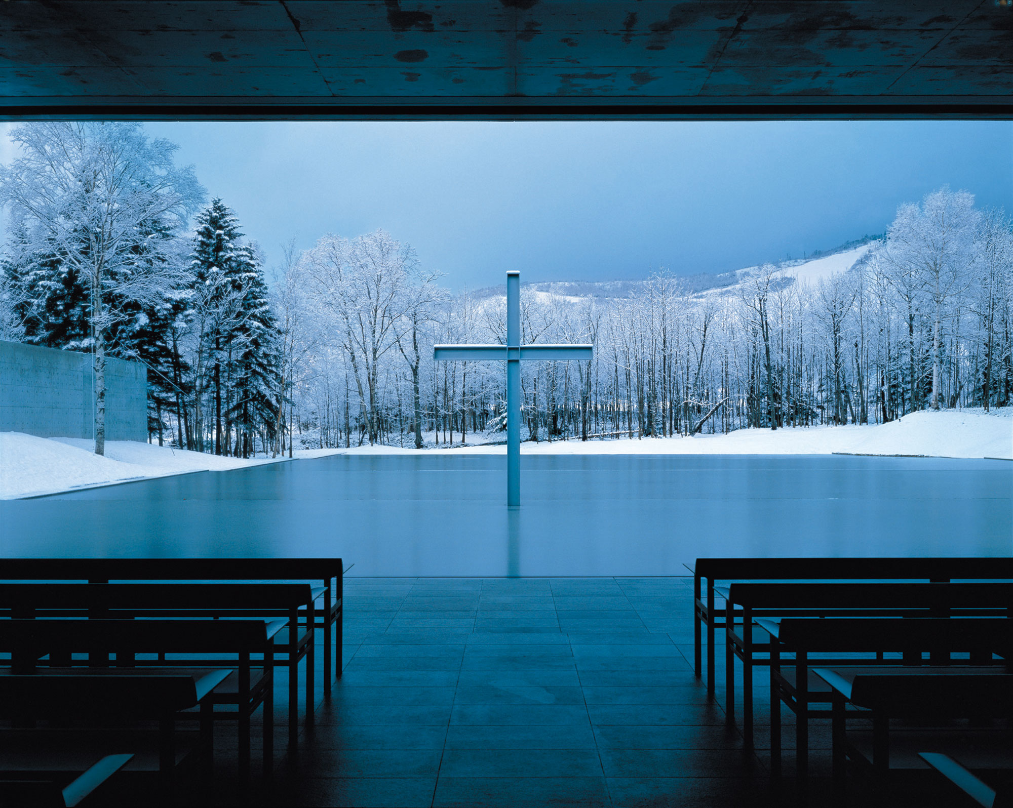 水の教会 (1988) 北海道勇払郡 撮影: 白鳥美雄 / Church on the Water (1988) Yufutsu-gun, Hokkaido Photo: Yoshio Shiratori