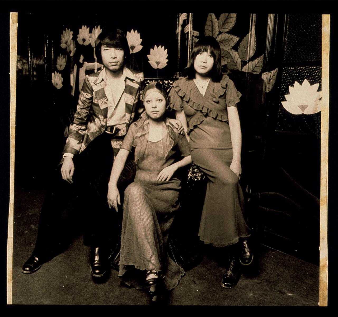 1970年代 初めてのコレクションのインビテーション。左から高田賢三、安斉敦子、近藤淳子