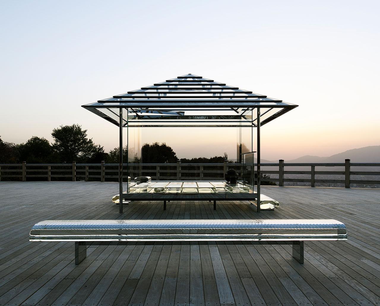 京都の将軍塚青龍殿に設置された「光庵 - ガラスの茶室」(2015) | ©Yasutake Kondo