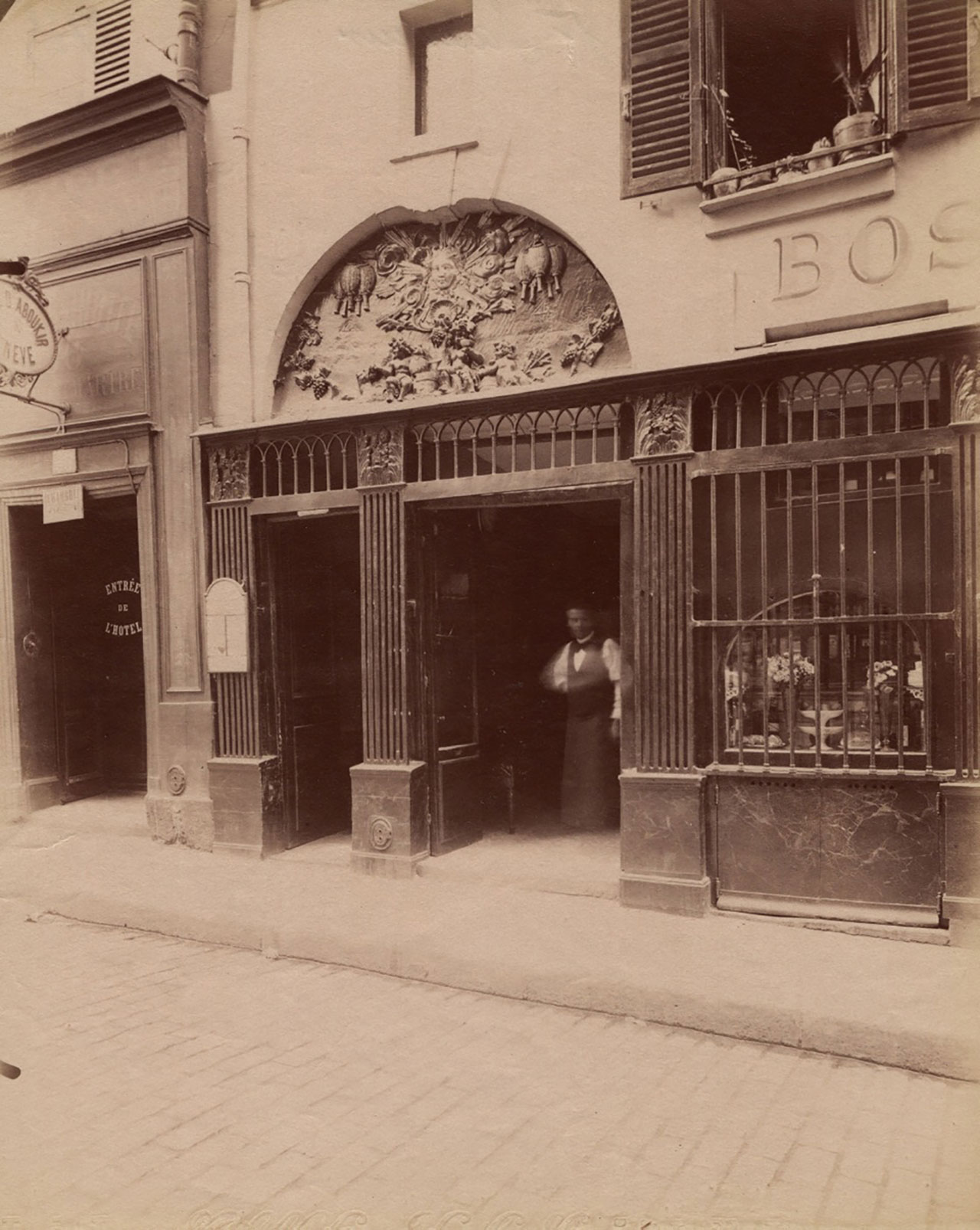 9725.Rue Saint sauveur © Eugène Atget / M84