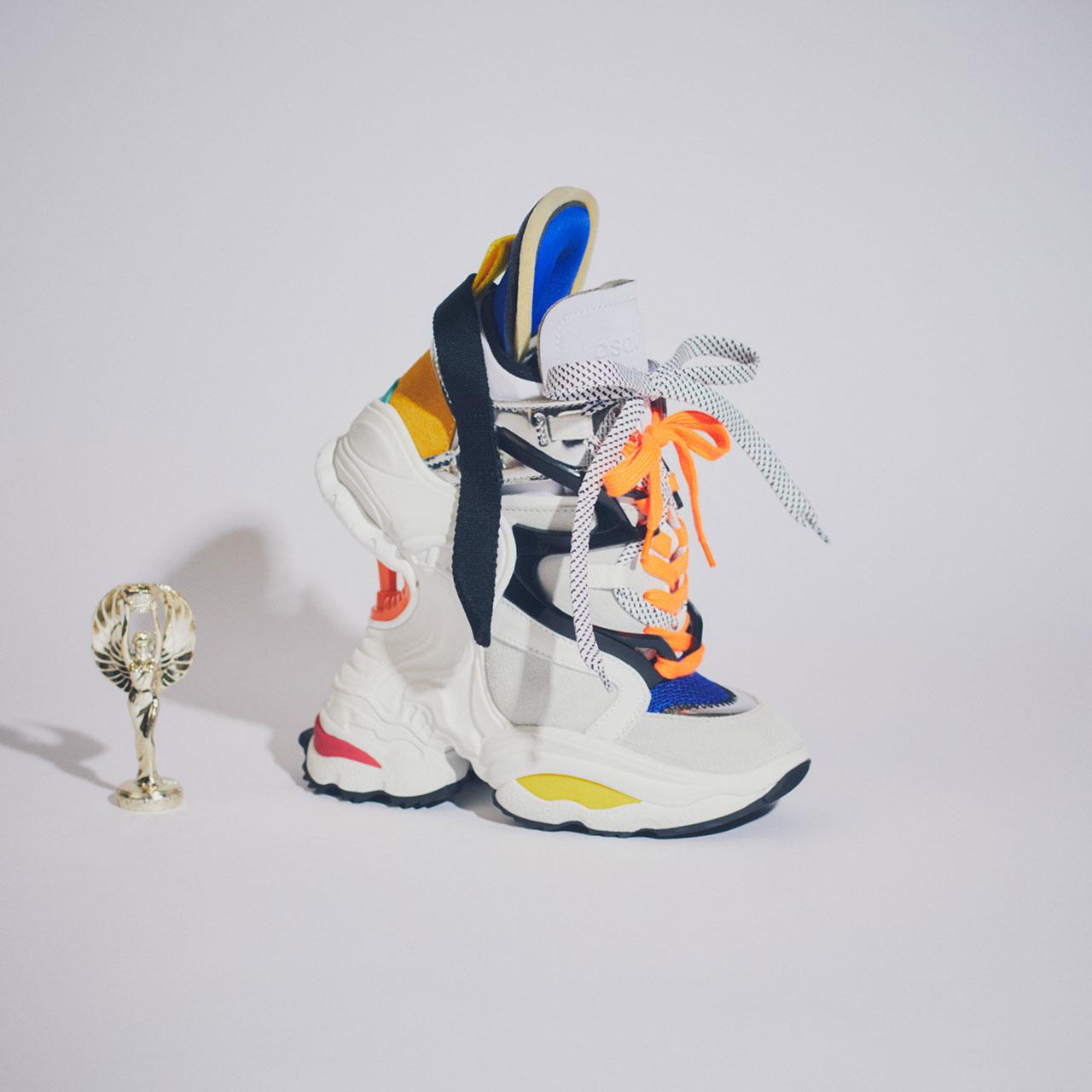 シューズ ¥237,000 [ソール 17cm]、Dsquared2/ディースクエアード 東京 03-3537-5731