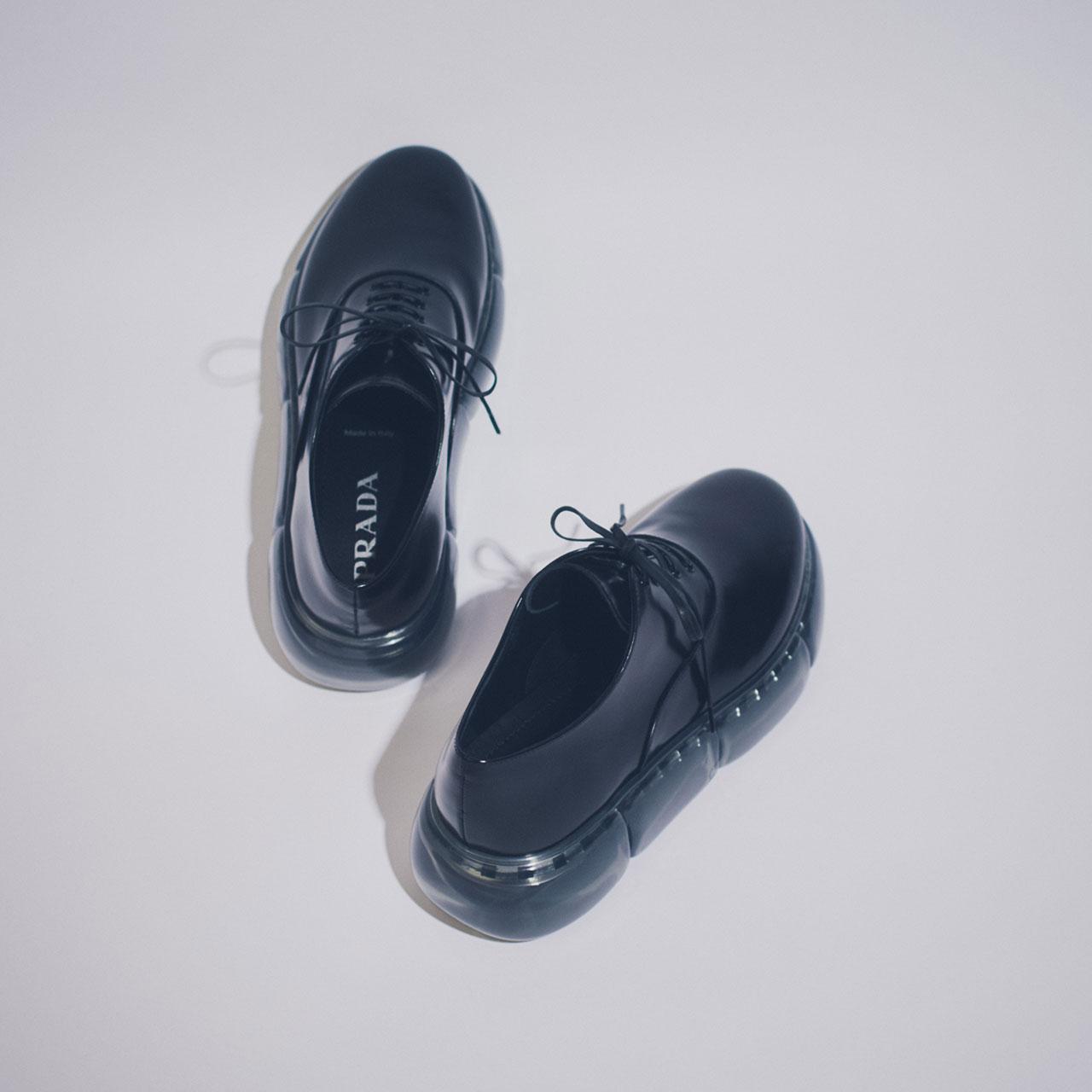 ¥99,000 (予定価格) [ヒール5.5cm]、Prada/プラダ クライアントサービス 0120-451-913