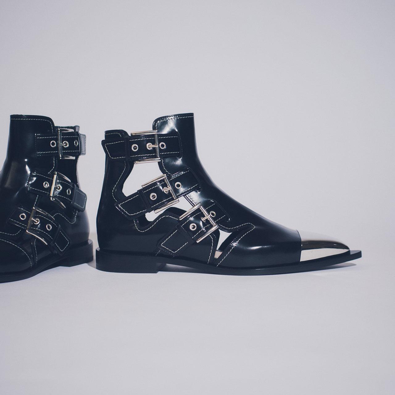 ¥140,000 Alexander McQueen/アレキサンダー・マックイーン 03-5778-0786