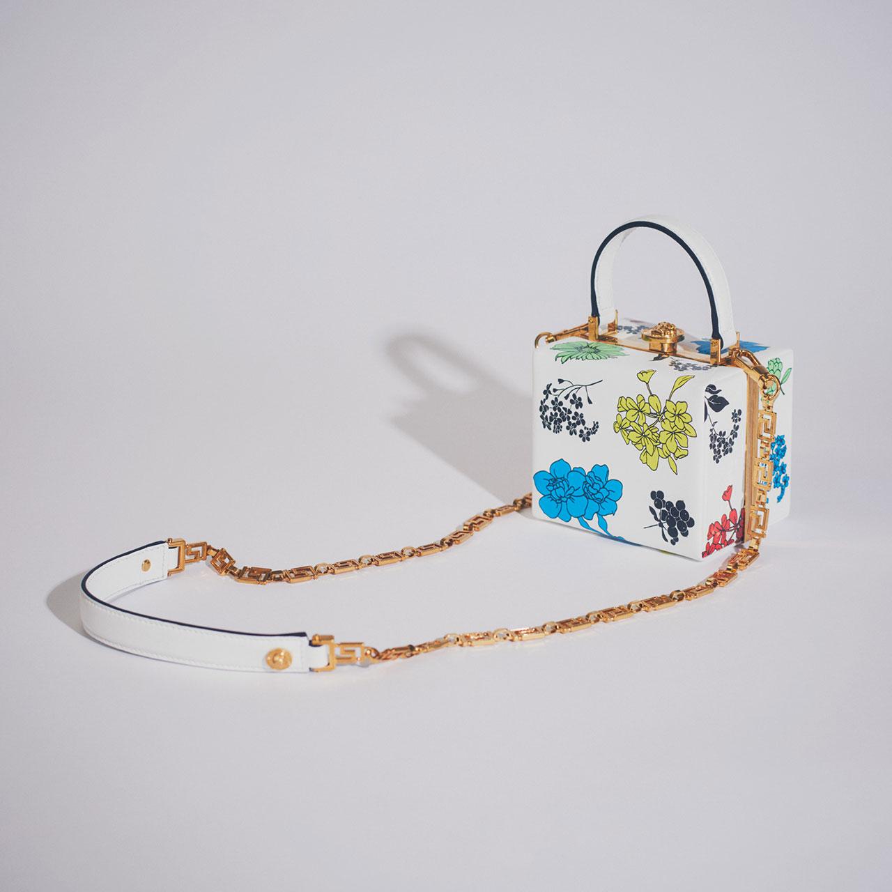 ¥264,000 [W12×H10×D9.5cm]、Versace (ヴェルサーチェ)