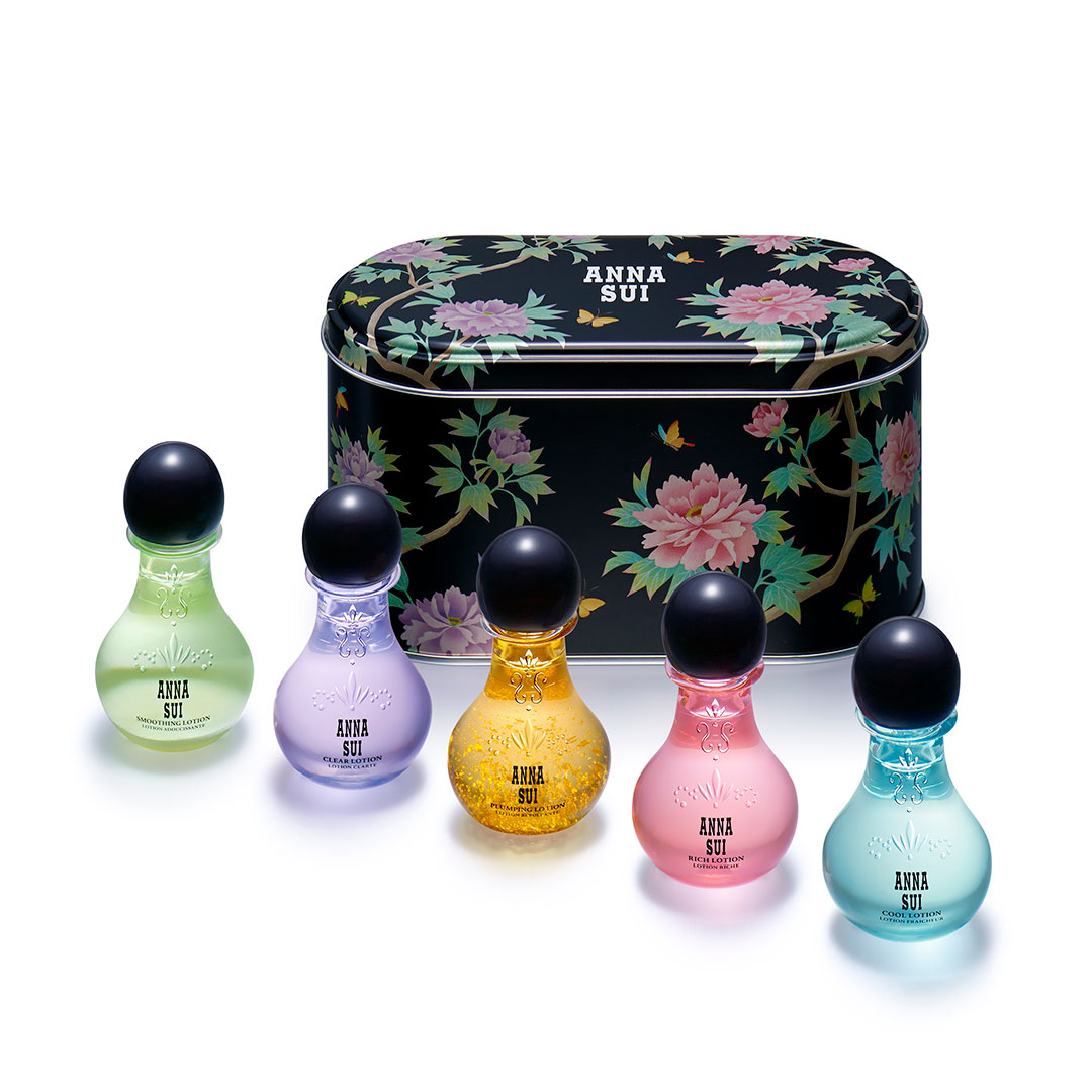 ANNA SUI  ミニ ローション キット ¥3,500 (4月3日発売)